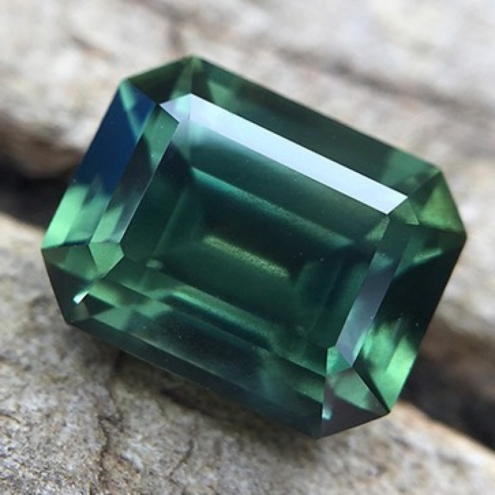 australian green white sapphire gallery pin emerald gold